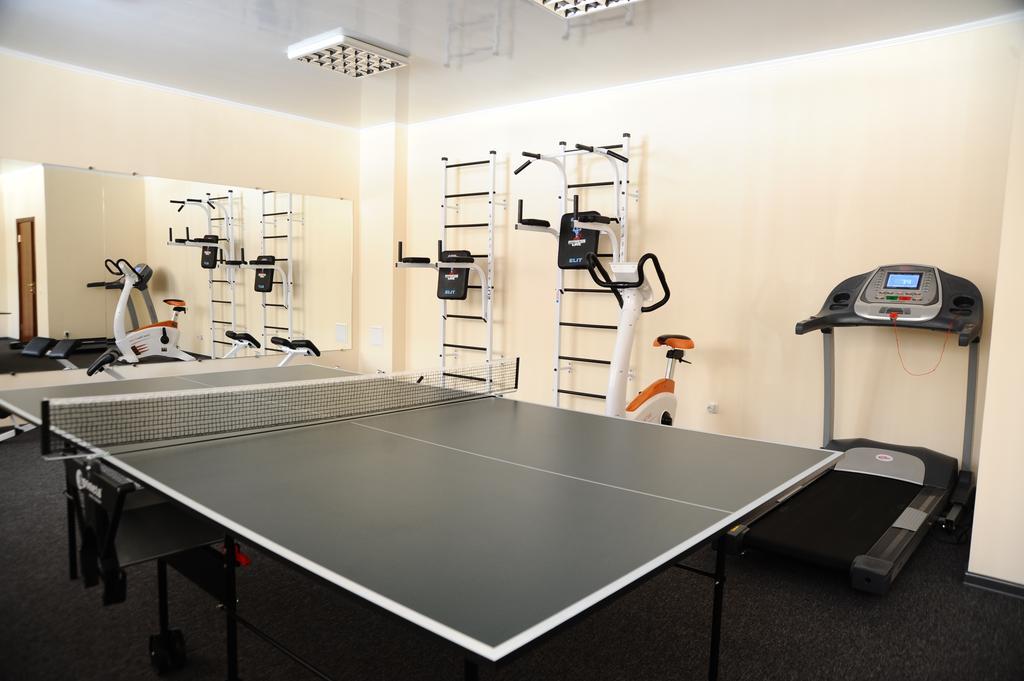 Настольный теннис в зале ЛФК