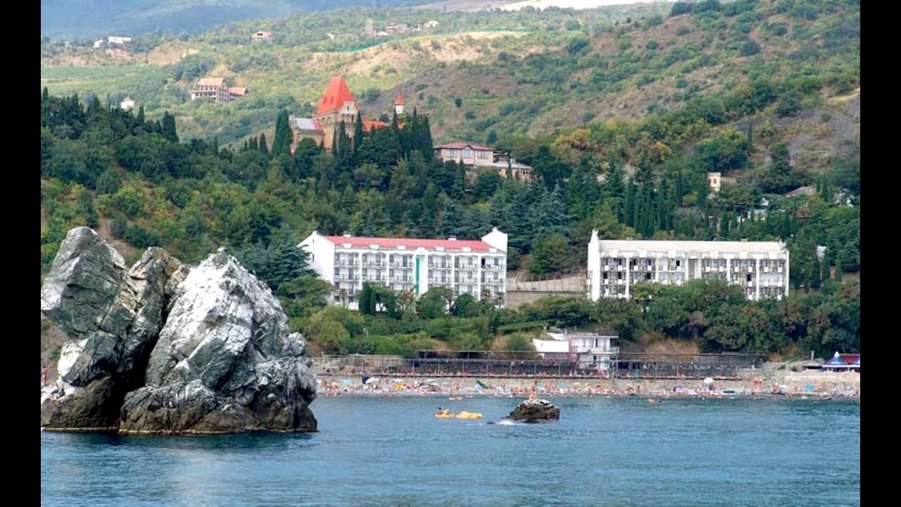 Вид на пляж и территорию с моря