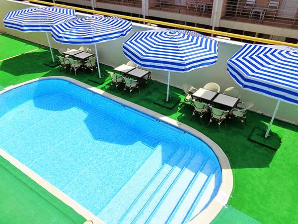Отель Русское Море,Открытый бассейн