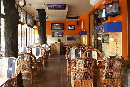 Стеклянный бар
