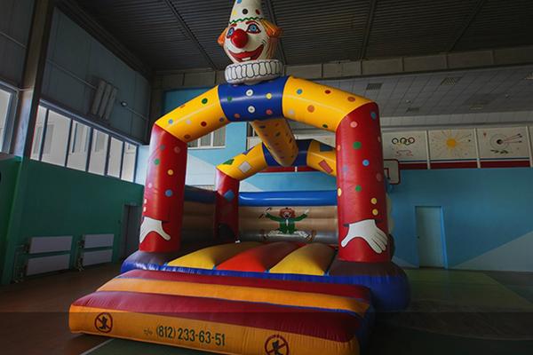 Спортзал (надувной детский батут)