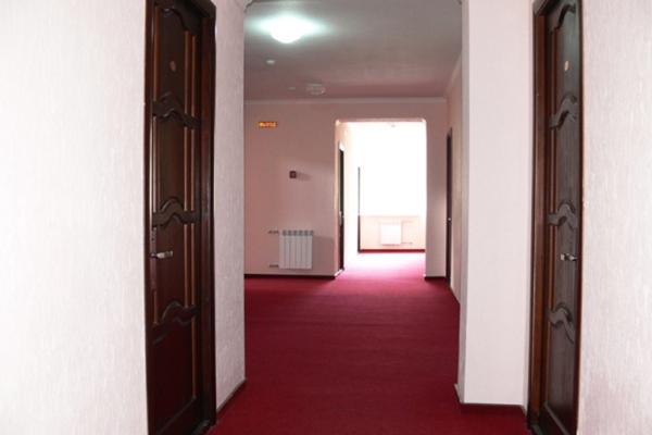 Гостиница Снежный Барс ,Коридор