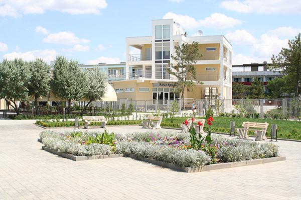 Туристско-оздоровительный комплекс Капля моря,Внешний вид корпус и территория