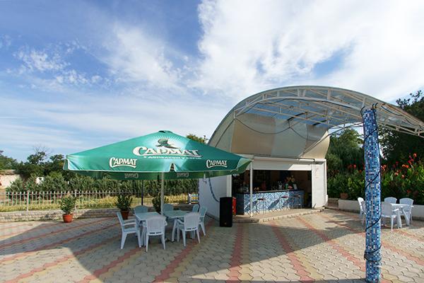 Туристско-оздоровительный комплекс Евпатория ТОК,Бар у бассейна
