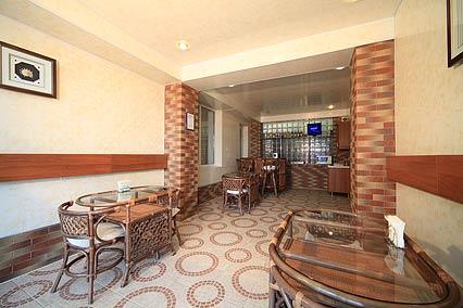 Бар, кафе на первом этаже