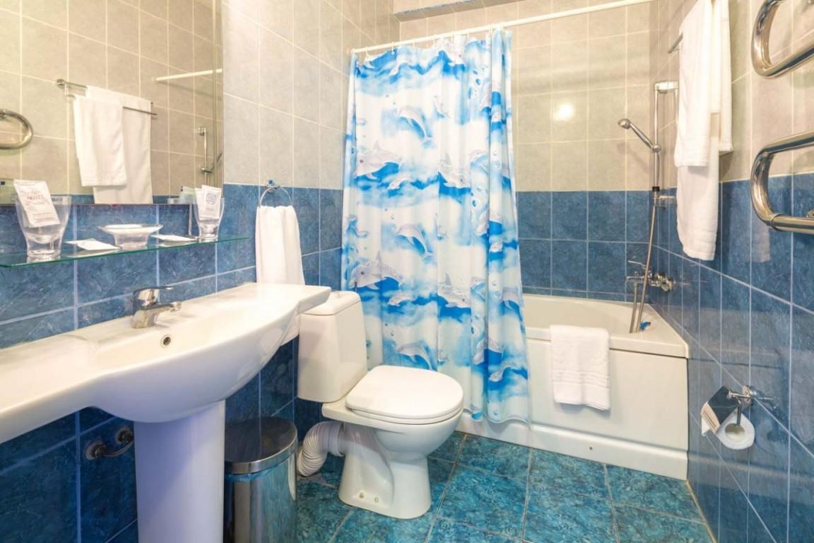 Гостиница Бригантина,Санузел стандартный 2-местный 1 категории
