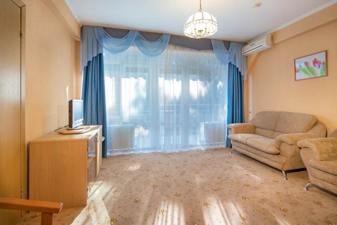 Гостиница Бригантина,Family studio 2-местный 2-комнатный