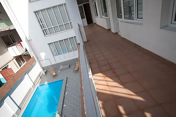 Отель Континент,Внутренний двор вид на бассейн