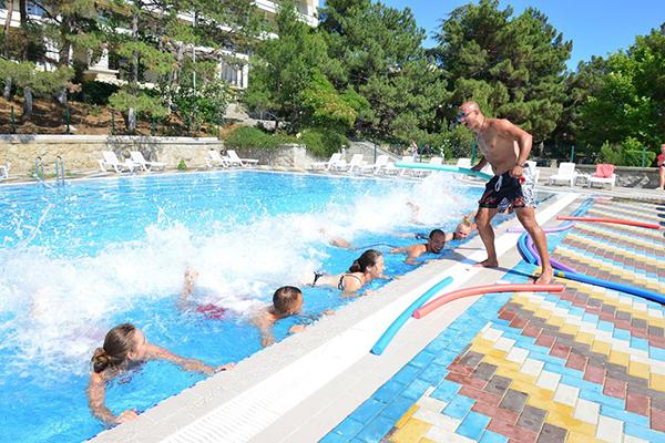 Туристско-оздоровительный комплекс Судак,Открытый бассейн
