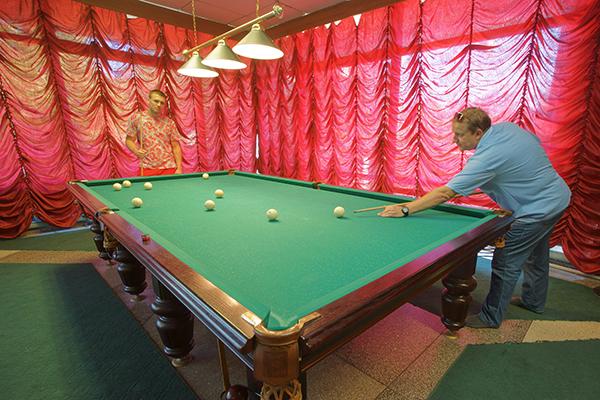 Туристско-оздоровительный комплекс Чайка ,Бильярд