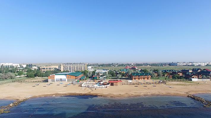 Пансионат Украина-1,Вид на территорию с моря. Пляж