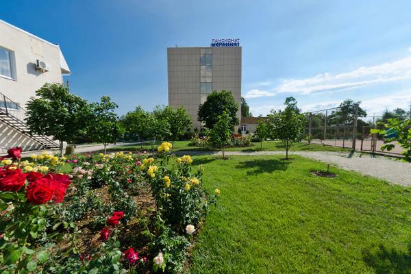 Пансионат Украина-1,Вид на шестиэтажный корпус