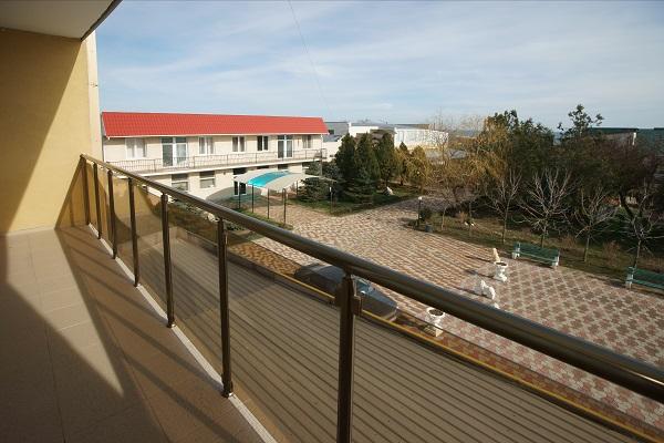 Пансионат Украина-1,Вид с балкона 6-этажного корпуса