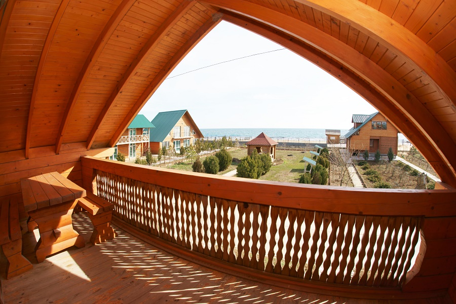 Люкс 2-местный 2-комнатный в деревянном коттедже вид с террасы