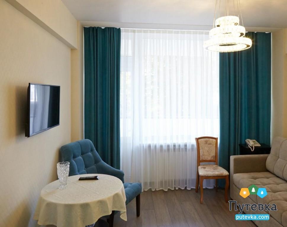 Фото номера Люкс 2-местный 2-комнатный (2 этаж), 2