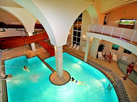 Отель Самбия,Бассейн
