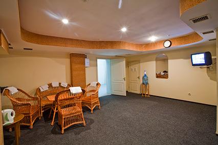 Отель Форум,Комната отдыха в сауне