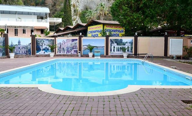 Пансионат Водопад,бассейн