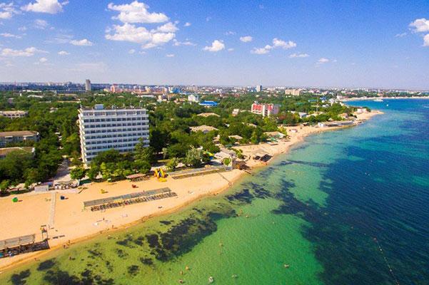 Санаторий Дружба ,Вид на корпуса и пляж