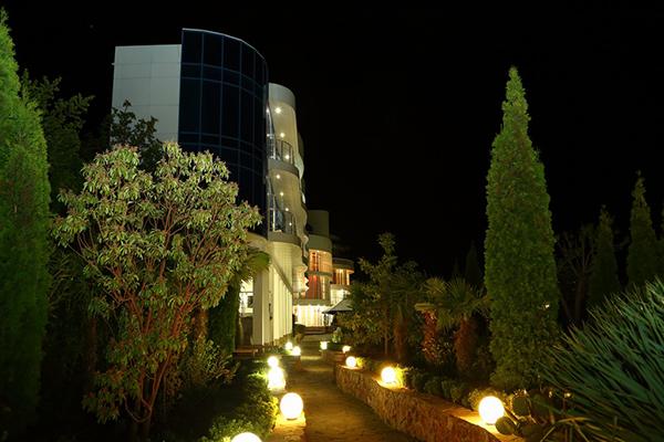 Гостиничный комплекс Маджестик,Территория
