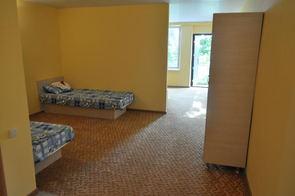 Отель Дайв,Стандарт 2-местный без балкона с индивидуальным входом
