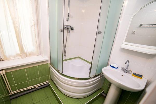 Дом отдыха Апсны-Абазашта, дом отдыха,4-местный 2-комнатный номер с балконом, санузел