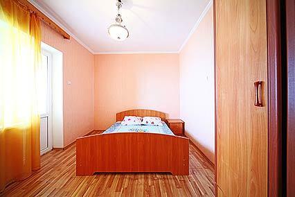 Дом отдыха Апсны-Абазашта, дом отдыха,4-местный 3-комнатный номер (корп 1) 2 этаж вид на море