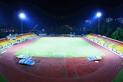 Стадион с натуральным покрытием