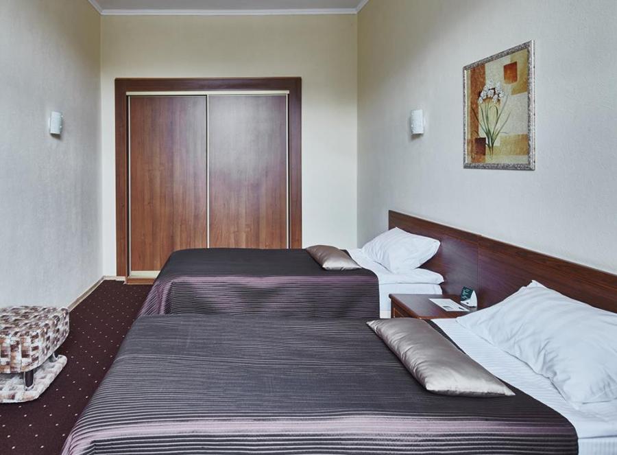 Стандарт семейный с двумя раздельными кроватями