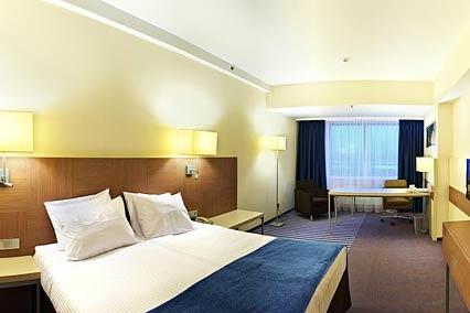 Гостиница Holiday Inn,Улучшенный номер