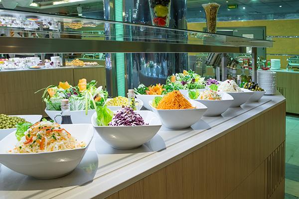 Шведский стол салаты