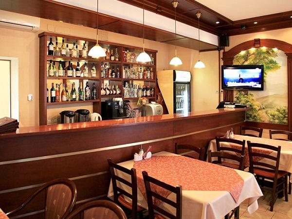 Гостиница Двина,Кафе бар