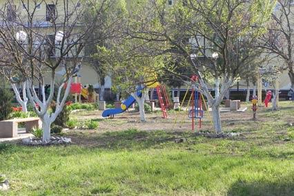 Гостиничный комплекс Изумруд,Детская площадка