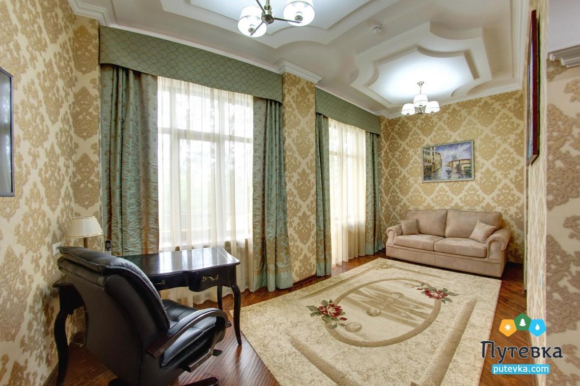Фото номера Апартамент 2-местный 3-комнатный, 3