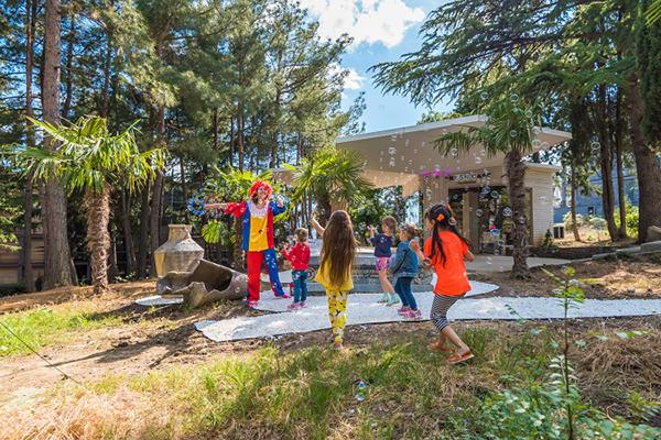 Детский центр Умка в отеле Ялта-Интурист Green Park