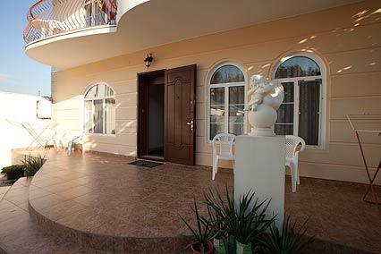 Гостевой дом Валенсия (Анапа-центр),Центральный вход