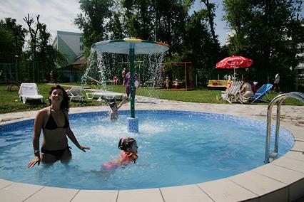 Санаторий-профилакторий Самарский,Открытый бассейн