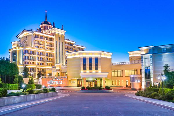 Отель MISTRAL HOTEL & SPA,