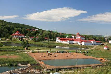 Санаторий Красноусольск,Вид со стороны озер