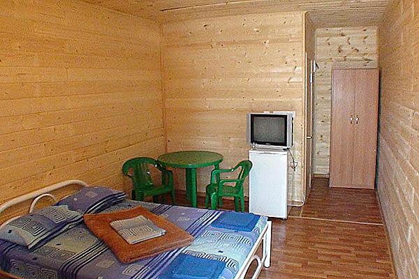 2-местный бревенчатый домик