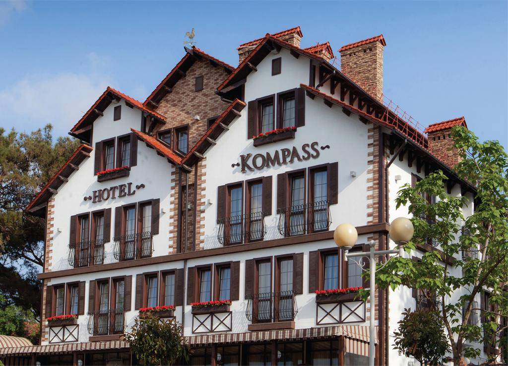 Отель Kompass Отель,Внешний вид