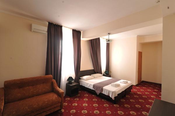 Отель Максимус,Станартный 3х местный