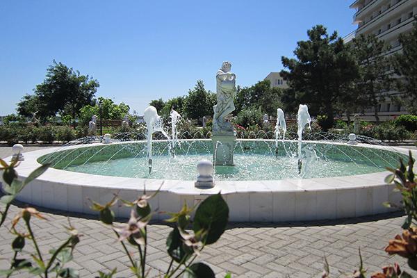 Территория фонтан