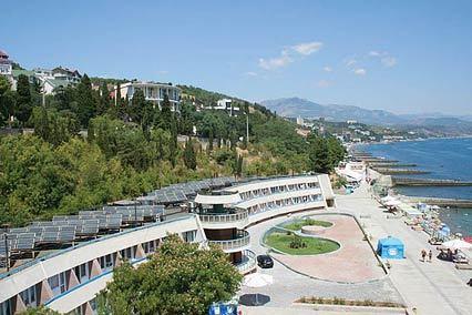 Курорт-отель Морской Уголок,Внешний вид сверху на территорию и Набережную