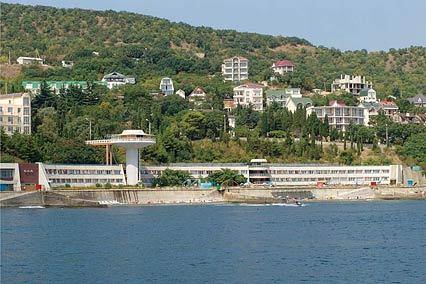 Курорт-отель Морской Уголок,Вид с моря на пансионат